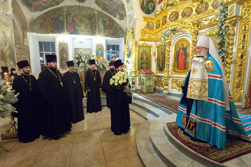 В праздник Рождества Христова Владыка Тихон возглавил великую вечерню в Богоявленском соборе Орла