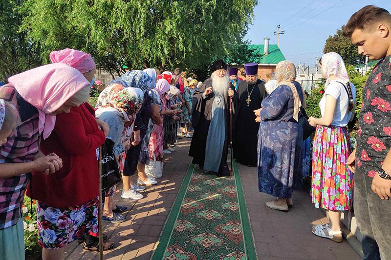 Митрополит Тихон с Архипастырским визитом посетил Троснянский район